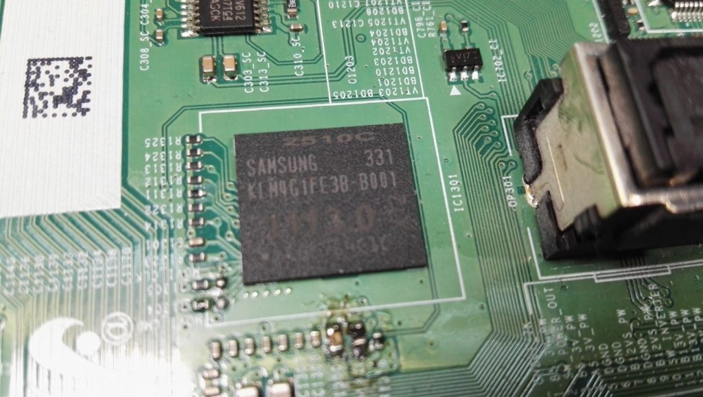 Память стандарта EMMC KLM4G1DE3B-B001
