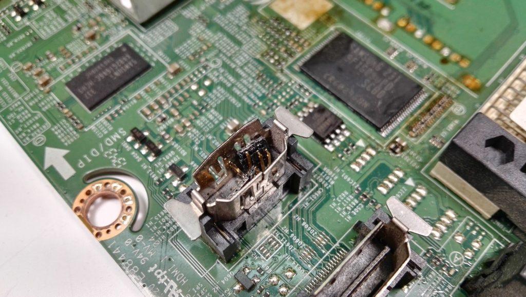 Сломанный разъем HDMI