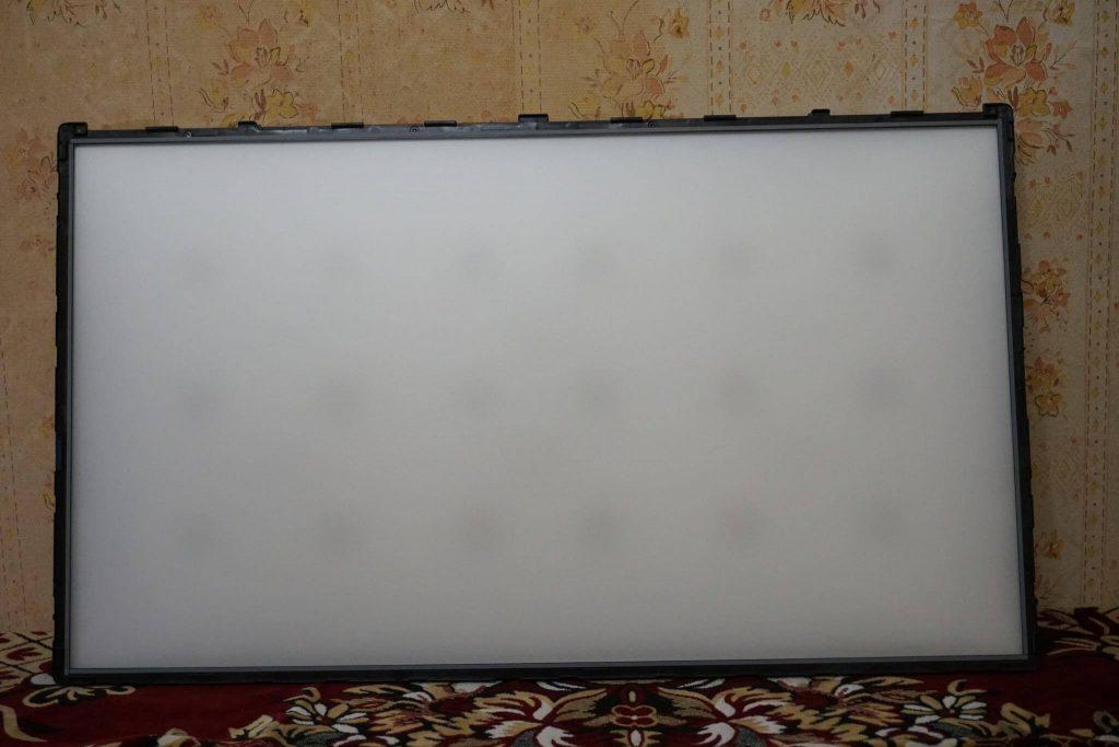 Ремонт подсветки телевизора LG 32LB561U
