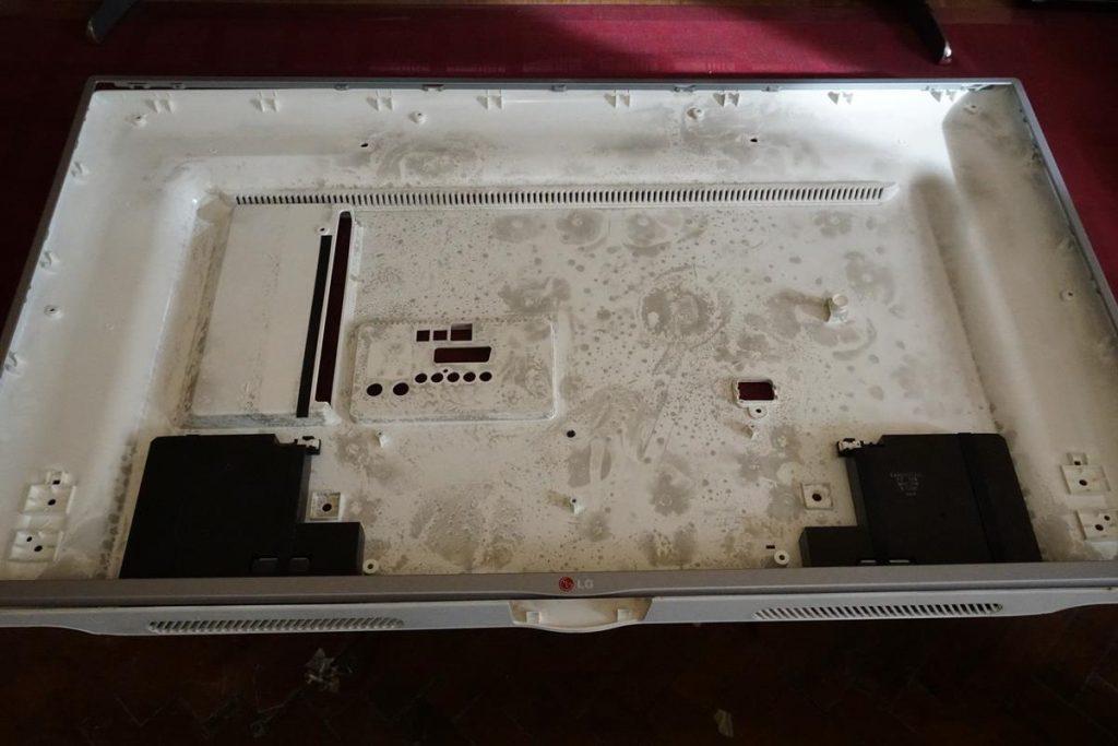 Ремонт подсветки в телевизоре LG 42LB572V.